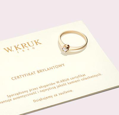 Pierścionek na zaręczyny z diamentem