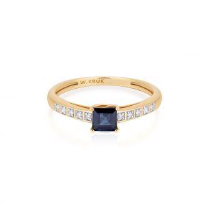 Pierścionek złoty bicolor z szafirem i diamentami ZIN/PB+370K