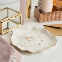 Naszyjnik złoty z motywem kwiatowym